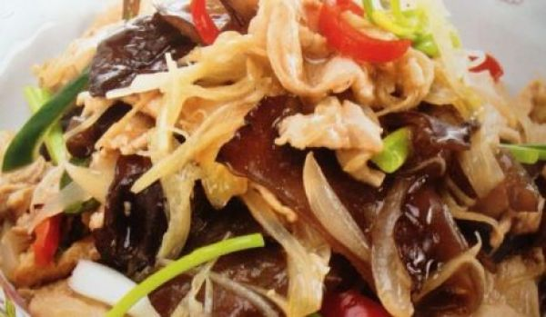 Stir fried Pork/chicken with soy sauce with mushroom and ginger