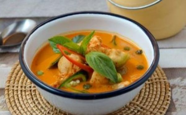 Thai Red curry with chicken/pork